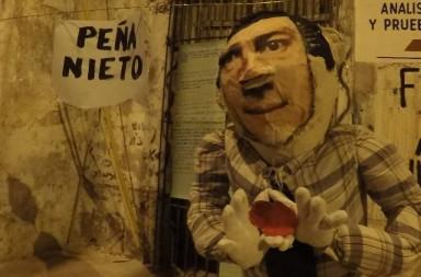Muñeco de Enrique Peña Nieto representando el fin de año 2018